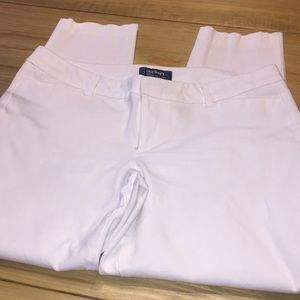 EUC Old Navy White Capri. Pixie